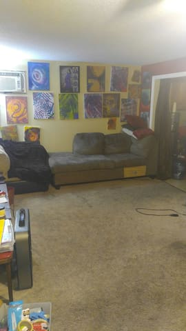 Beautiful Art Gallery type living room for rent - Lawrence - Talo