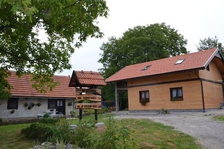 Country House/Cabin Cindric Gaj - Josipdol - บ้าน
