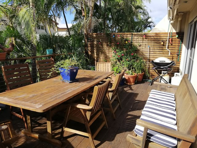 Lovely sunny deck with rain shelter