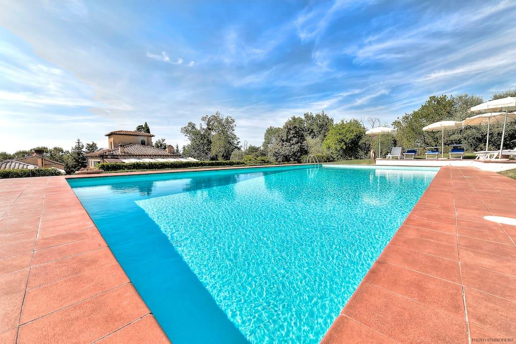 The swimmingpool at guests' free disposal