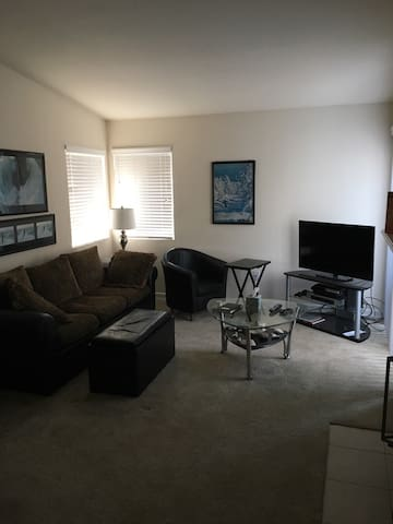 Spacious getaway near Laguna (Entire Apartment) - Aliso Viejo - Appartement