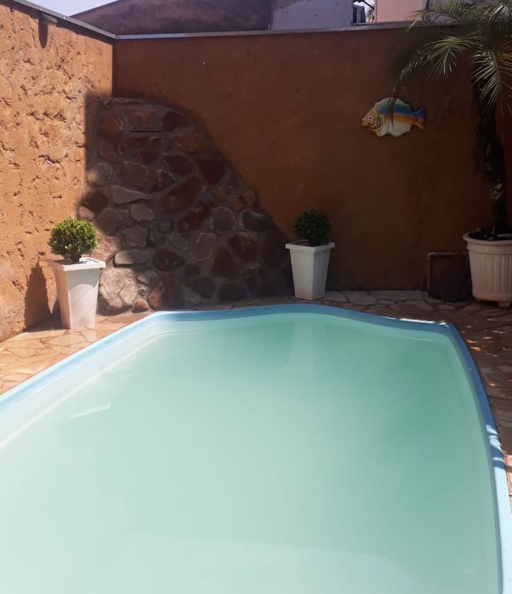 Casa  com piscina e vista para o Rio Piracicaba