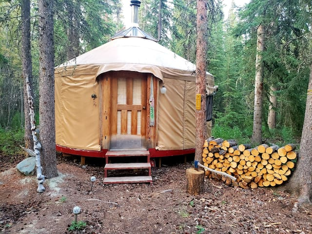 Easy Street Retreat: Yurt Accommodation