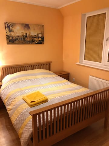 Double room 30 min from London