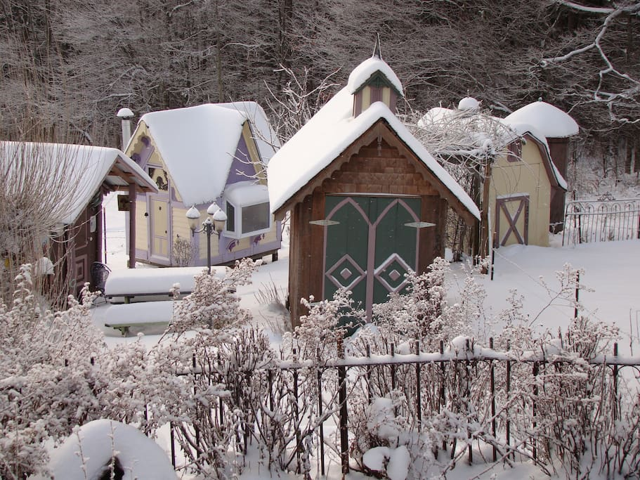 The village of Karenville in snow