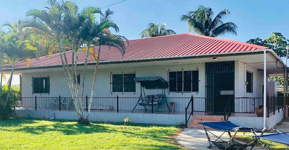 BELIZE ZOO 4 MILES AWAY!SECLUDED  3BED/3BATH HOUSE