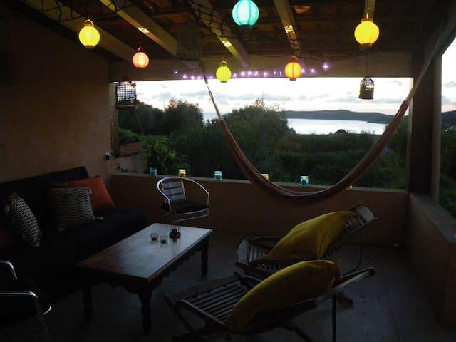 villa vue mer à 10 minutes à pied de la plage... - Cargèse - Дом