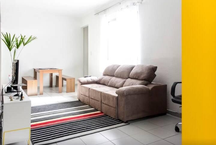 Apartamento grande com 80m² | Netflix + Wifi de 240 mb