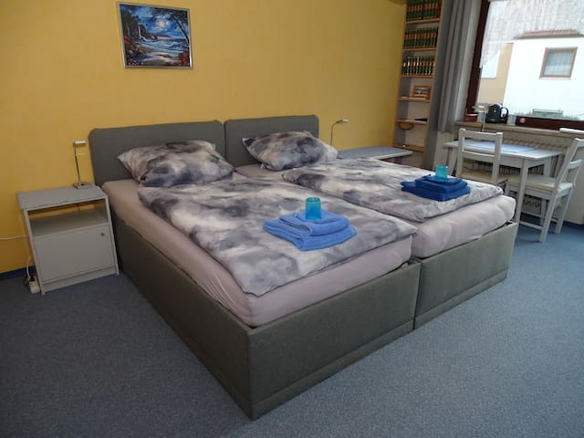 1-2Beds comfy+TV- Messe 20min / City Center 30min
