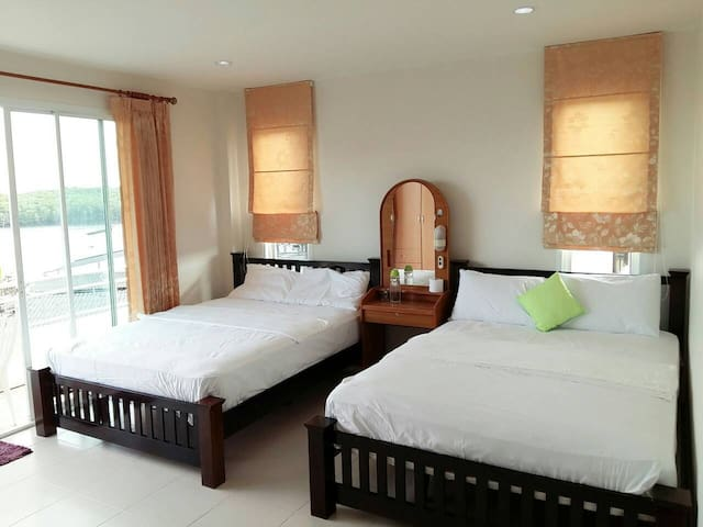 Uncle's House@ Krabi by Twin Bed