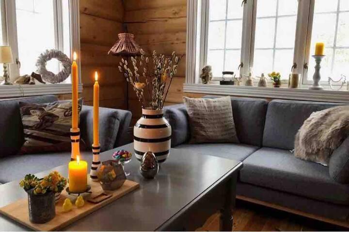 Stor hytte i fjellheimen