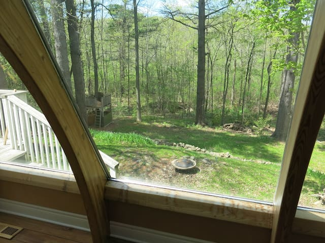 Charming Home in Wooded Area - Kingston - Haus