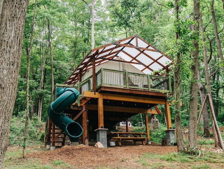 Treehouse Glamping, Family Vacation near Raystown