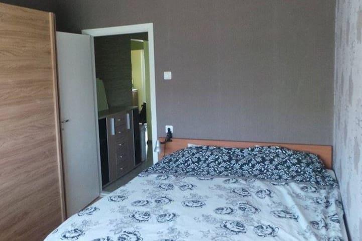 Bedroom, bed size 160 cm