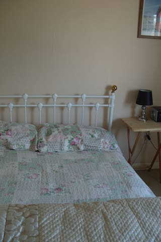 double room half hour from london by train - Stevenage - Hus