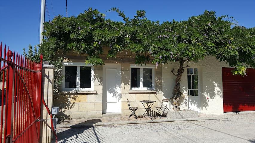 Entre BORDEAUX et SAINT EMILION - Cavignac - Casa