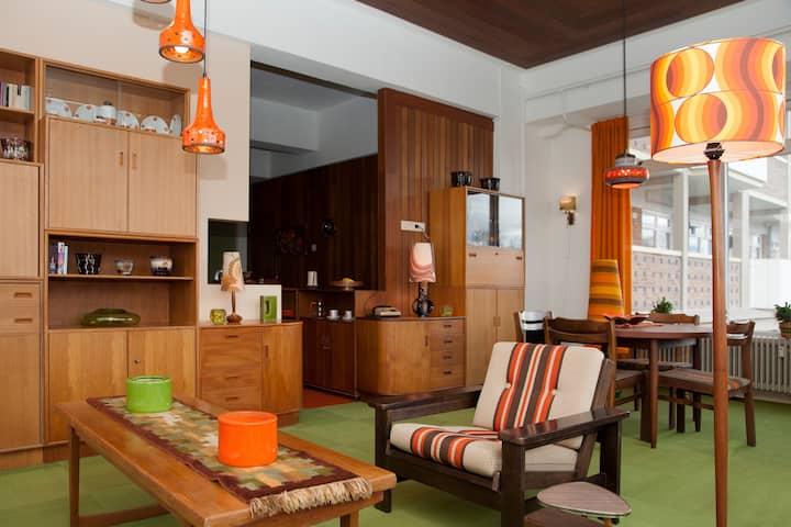 Large vintage monumental appartement near center