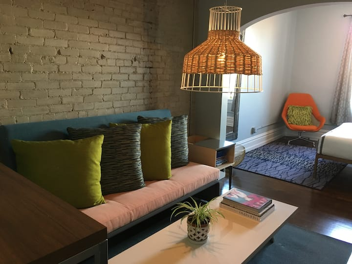 Trendy loft 4 miles from downtown GR (C)