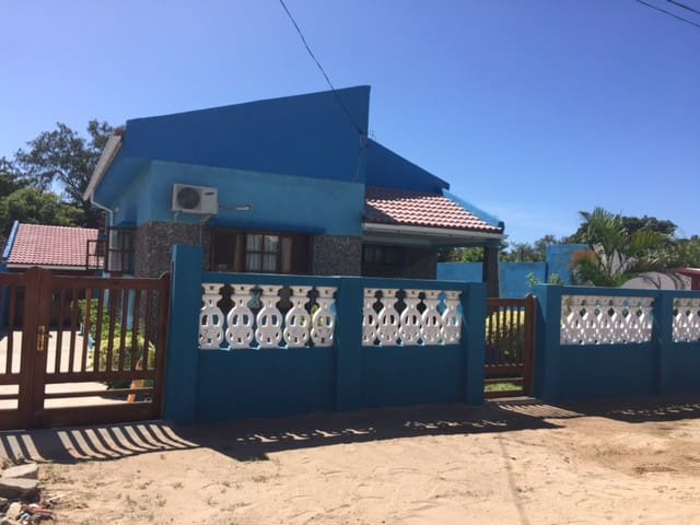 Blue Beach House at Tofo Beach - Tofo Beach - Maison
