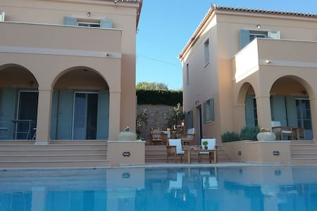 Twins villas in spetses .Sea view - Σπέτσες