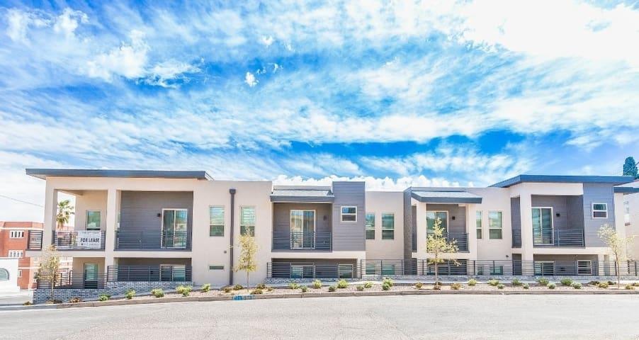 Sun City Luxurious Apartment