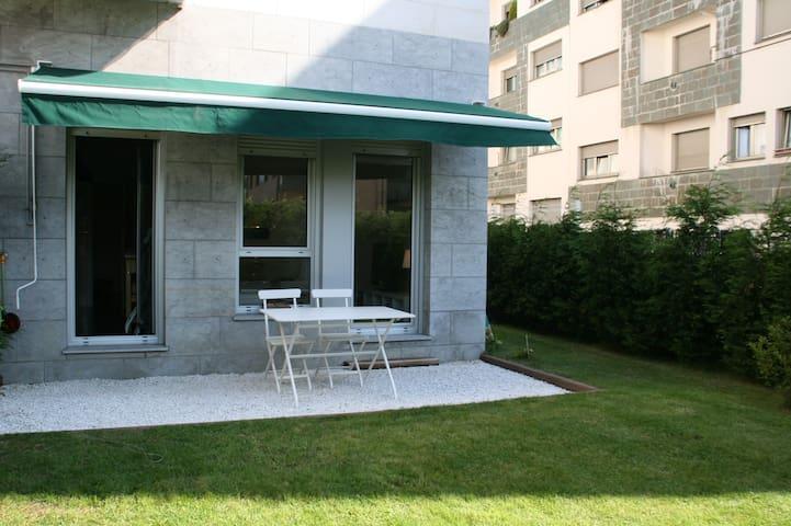 Coqueto apartamento con jardin en Luanco