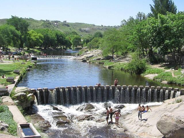 Quo Vadis Cabins. Relax and enjoy nature. - Villa Carlos Paz