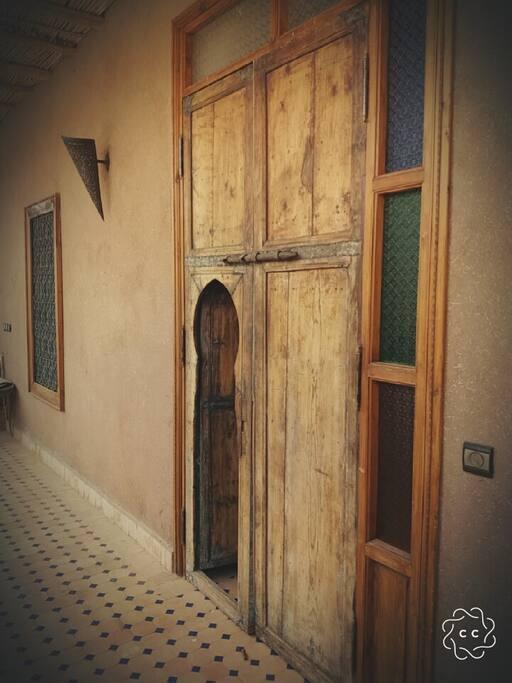 Porte Entrée Chambre Salon et salle de bain privative