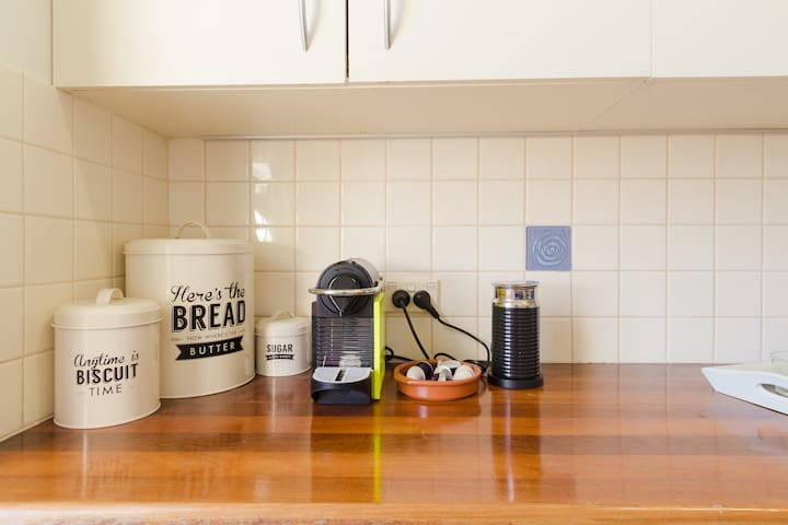 Kitchen fully equipped for keen cooks