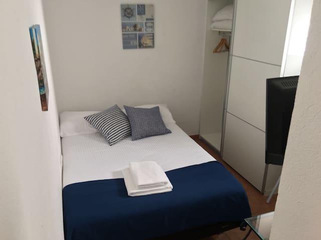 Acollidora habitació individual al cor de Cadaqués