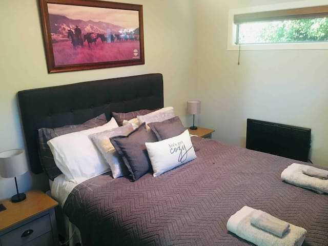 Double room in Arthur's point close to Queenstown