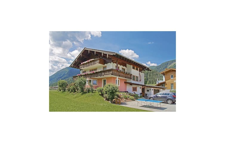 Holiday apartment with 2 bedrooms on 71m² in Flachau