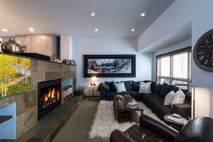 Cascade Village Home at Coldstream Condos