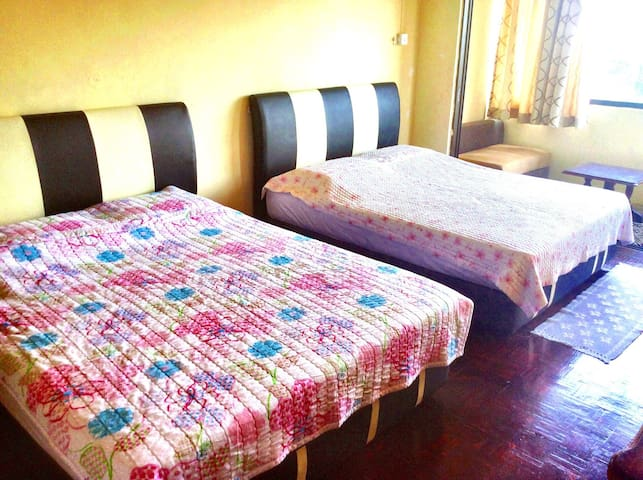Amazing Mountain View Family Room - Kota Belud - Bed & Breakfast