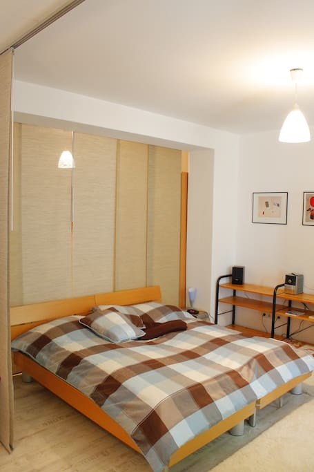 Doppelbett - auch getrennt zu stellen als 2 Einzelbetten