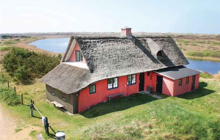 Holiday cottage with 4 bedrooms on 114m² in Nørre Nebel