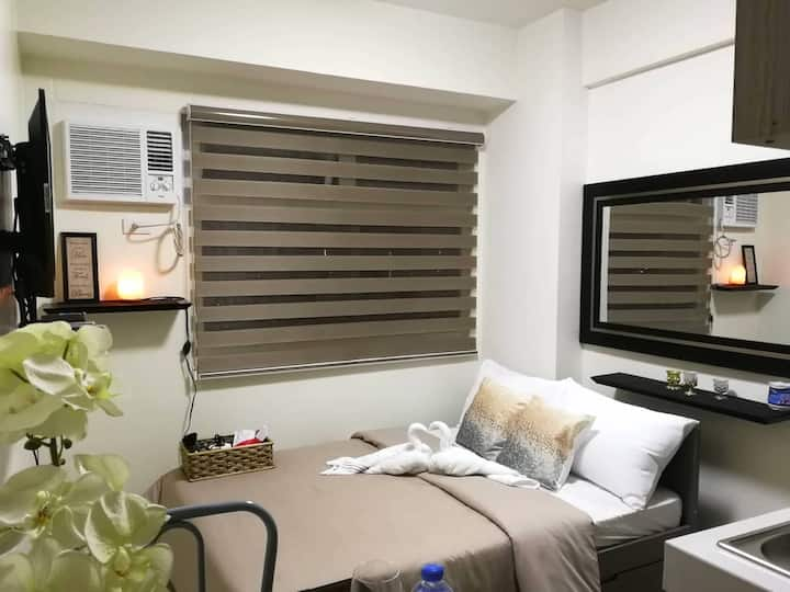 Promo* Studio-B at EDSA near MRT & SM Megamall