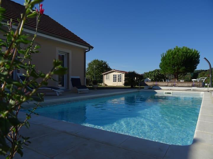 Maison climatisée avec piscine  Saint-Céré Quercy