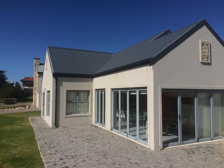 Stilbaai Holiday Home