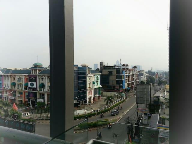 next to Pondok Indah a studio apt - Cilandak - Leilighet