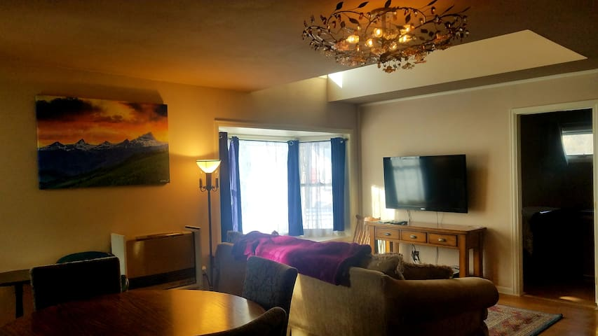 The Gowdy Apartment Open Year Round, Pet Friendly