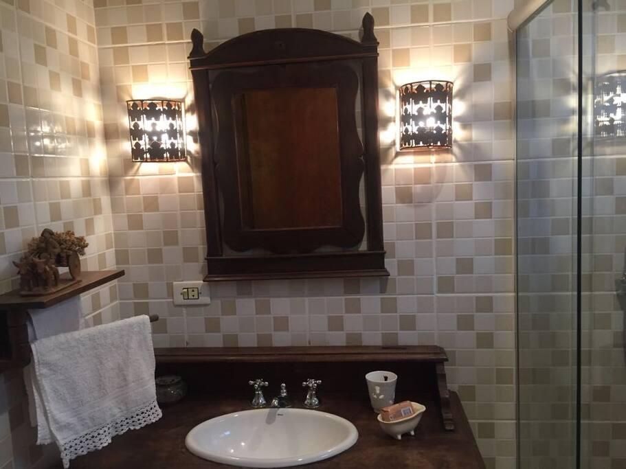 Banheiro Quarto Casal2