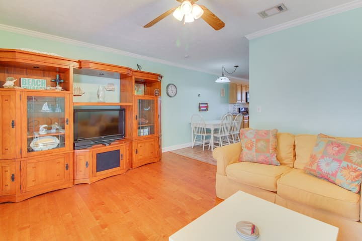 Comfortable and dog-friendly home - close to the beach!