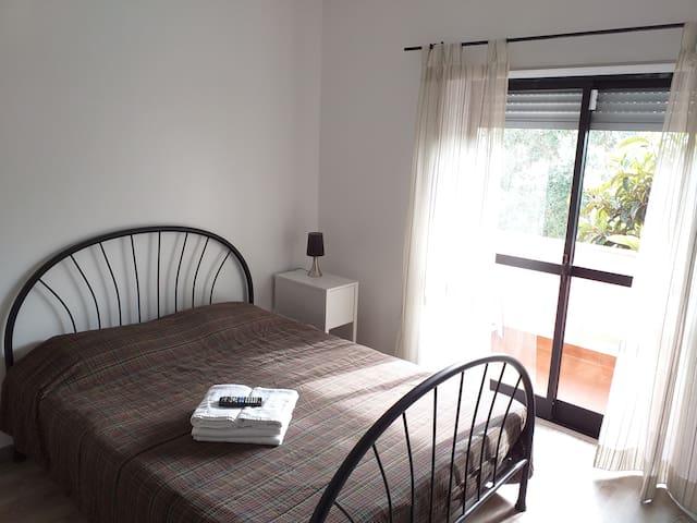 Bedroom w/private WC, 6km from Serra de Sintra