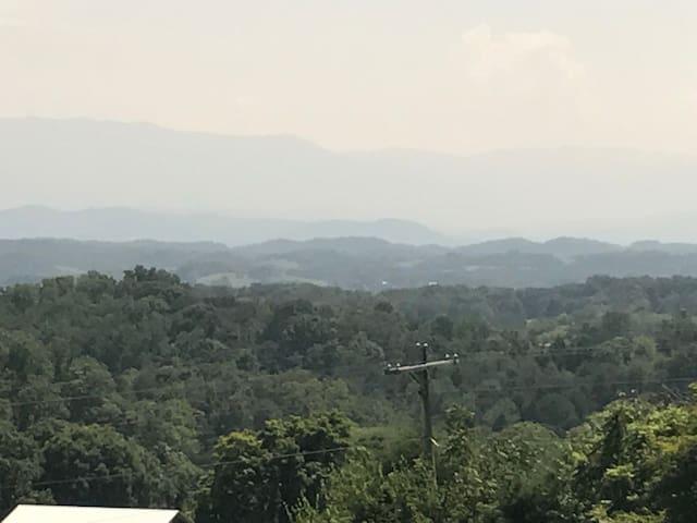 Beautiful Smokey Mountain Views Unit #4