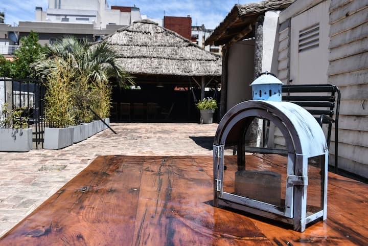 Habitación privada c baño en casona de PALERMO
