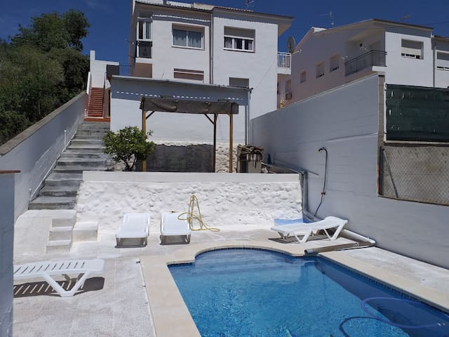 Costa dorada Apartamento Mar y Montaña con Piscina