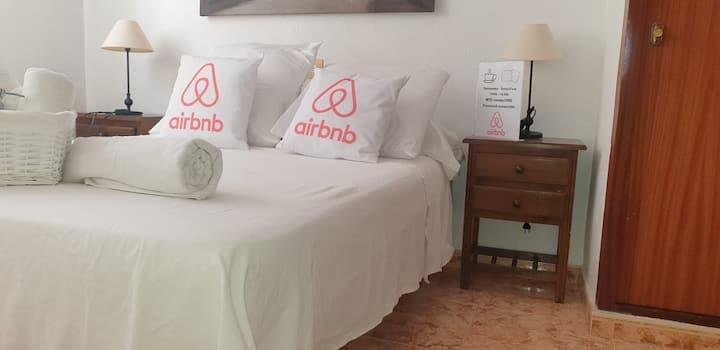 Pensión airbnb concept habitacion Saranda