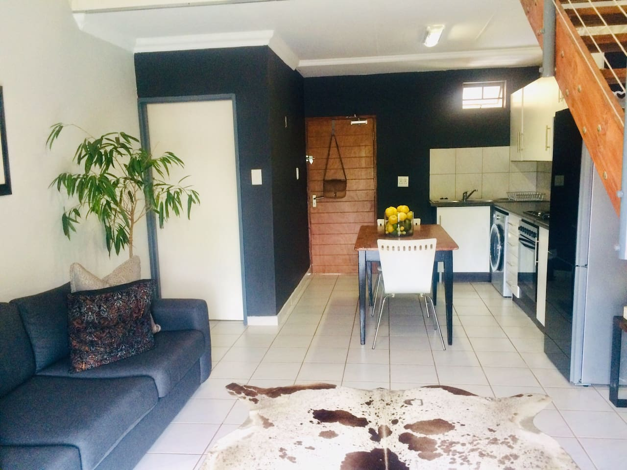 58@FarmRoad offers you an entire place, clean and neat as the owner herself. When you enter the property, you will find yourself in a fully equipped kitchen, open plan living room with a guest toilet.  The space is north facing and totally private.