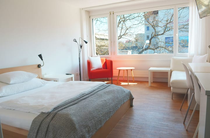 Stadt Zürich 207-Albisriederplatz Appartement